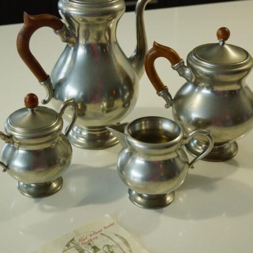 Tinnen set met koffie- en theepot